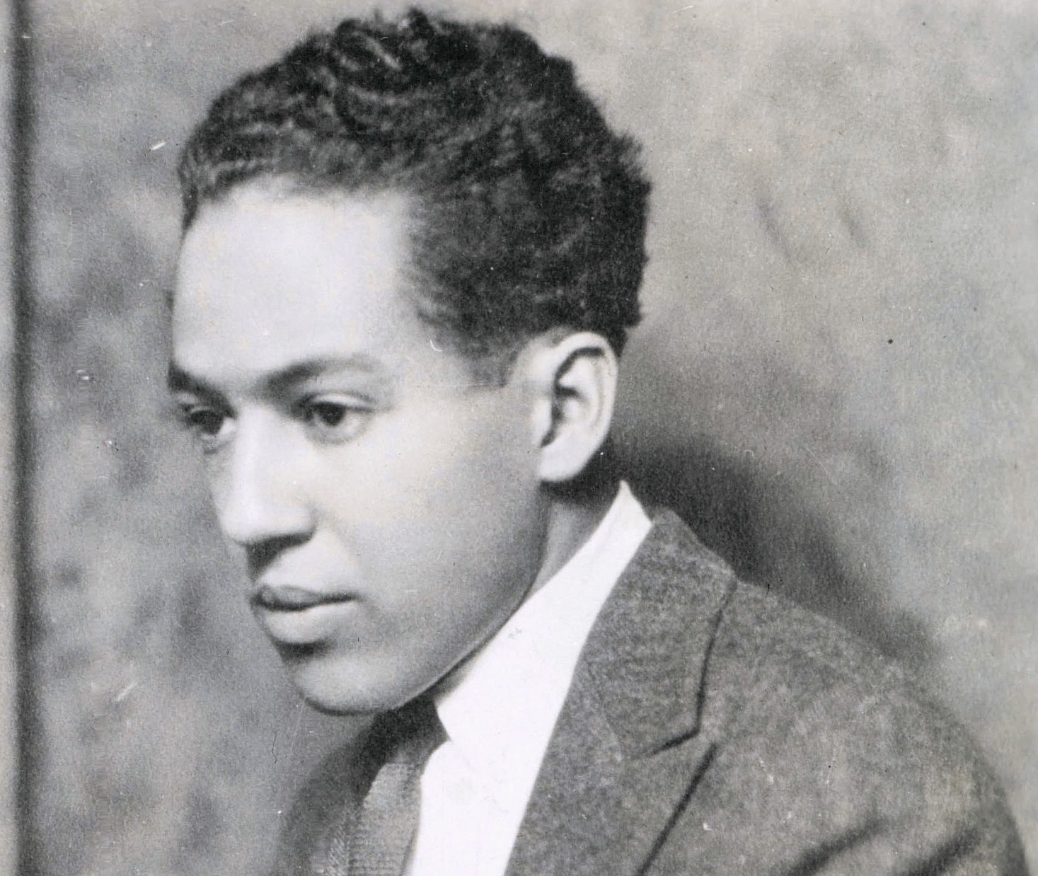 langston hudges One of the most famous poems penned by harlem renaissance poet langston hughes written in 1951, this poem was the inspiration for lorraine hansberry's classic play a raisin in the sun.